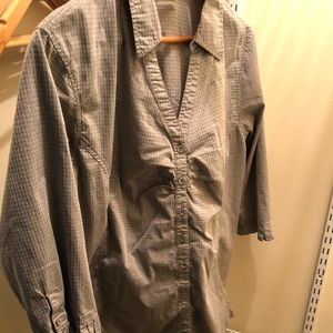 26/28 Avenue grey button up shirt